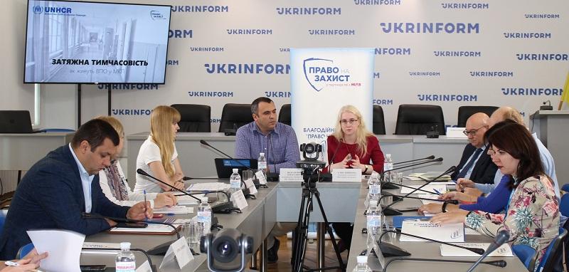 Держава має змінити ставлення до підтримки переміщених осіб – Сергій Комнатний