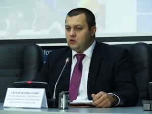 Ми по максимуму прибираємо вплив чиновника на програму «Доступне житло» – Сергій Комнатний